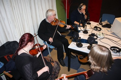 jack schroevers met leerlingen bij celtic music time